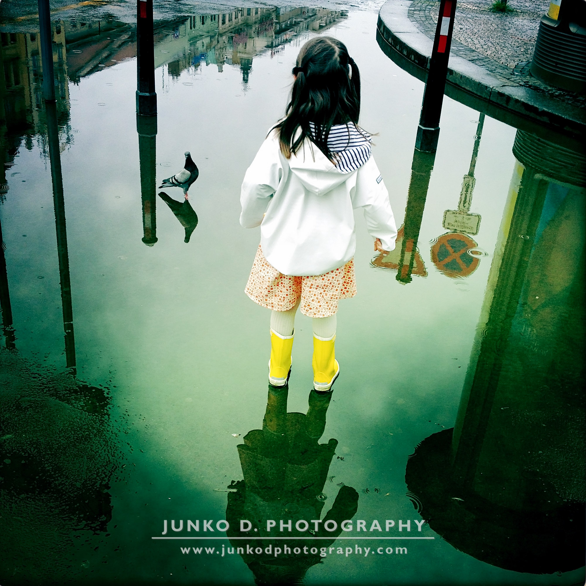 yellow boots, puddles & kids photography 01