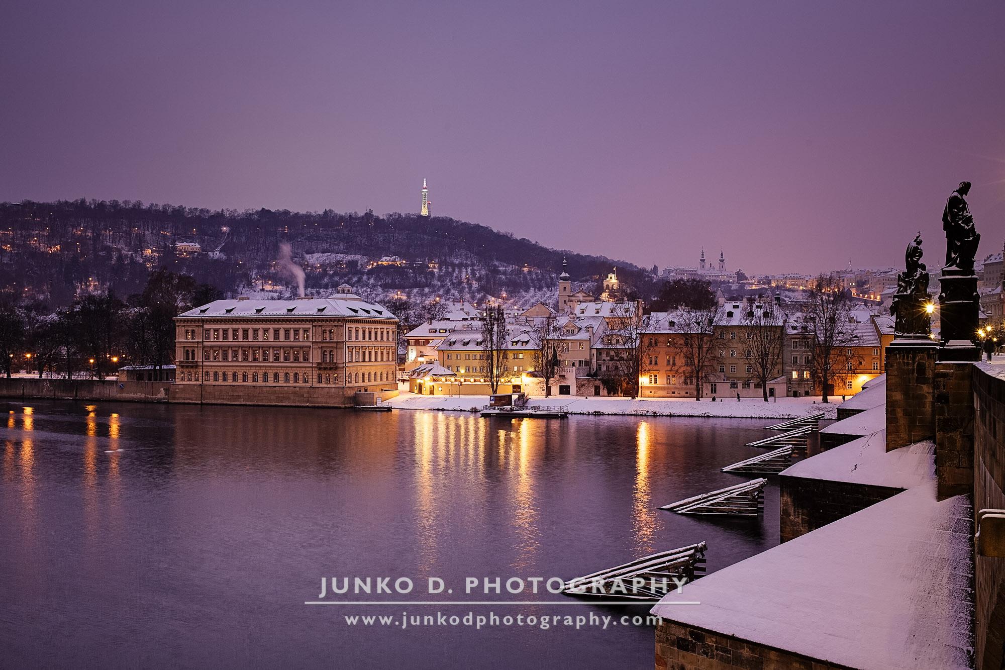 2015_PRAGUE_Charles_Bridge_snow_16_for_web