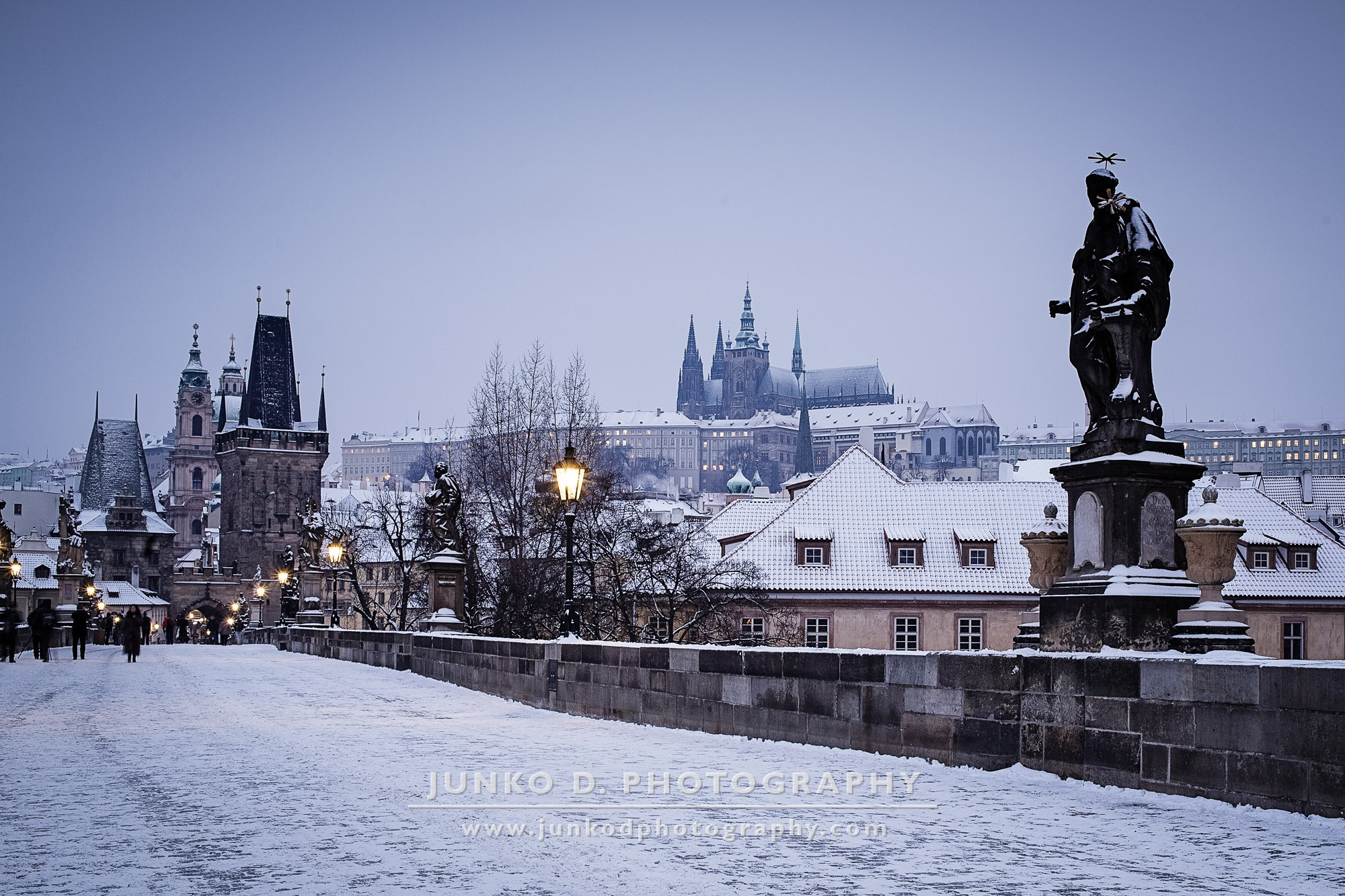 2015_PRAGUE_Charles_Bridge_snow_26_for_web