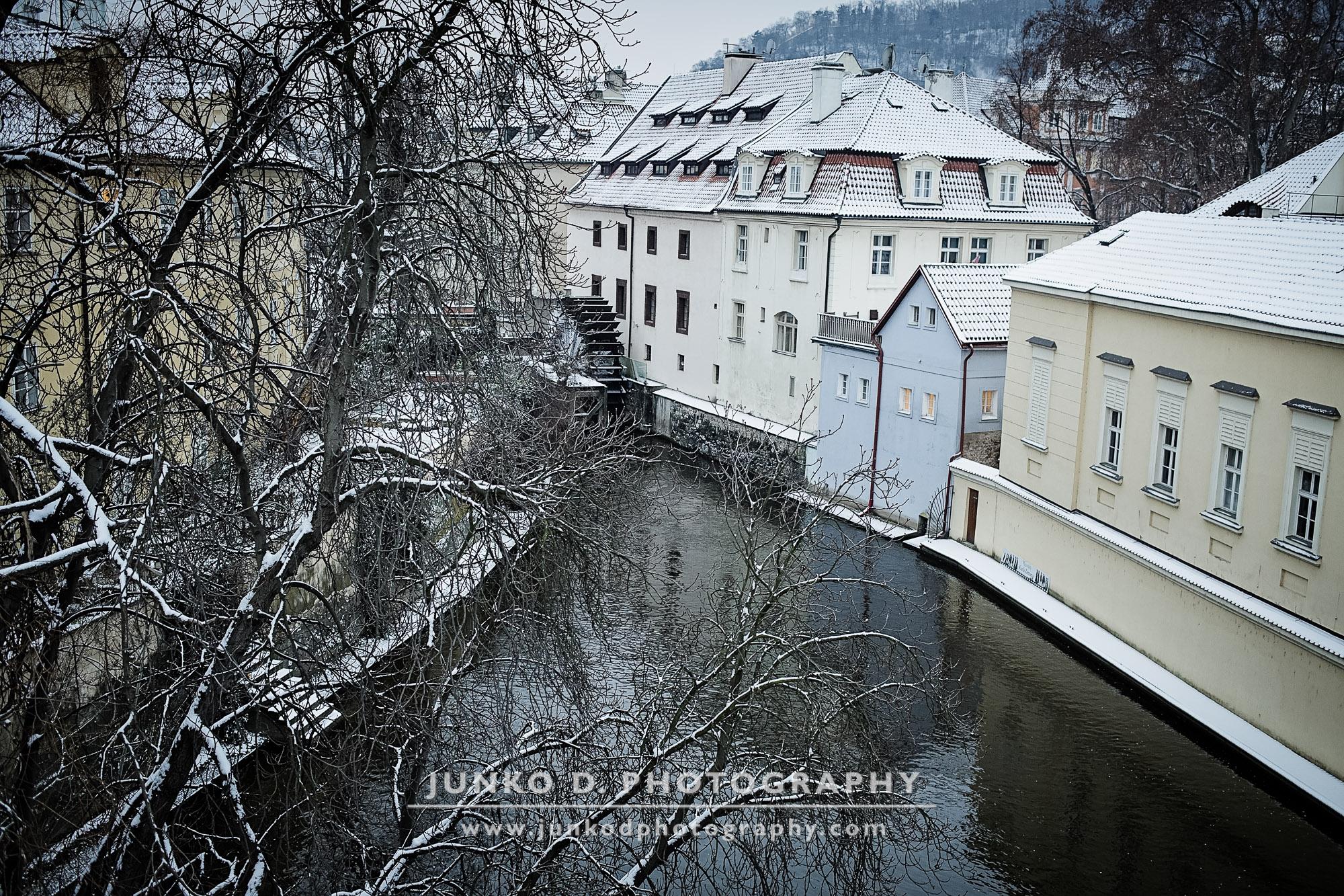 2015_PRAGUE_Charles_Bridge_snow_30_for_web